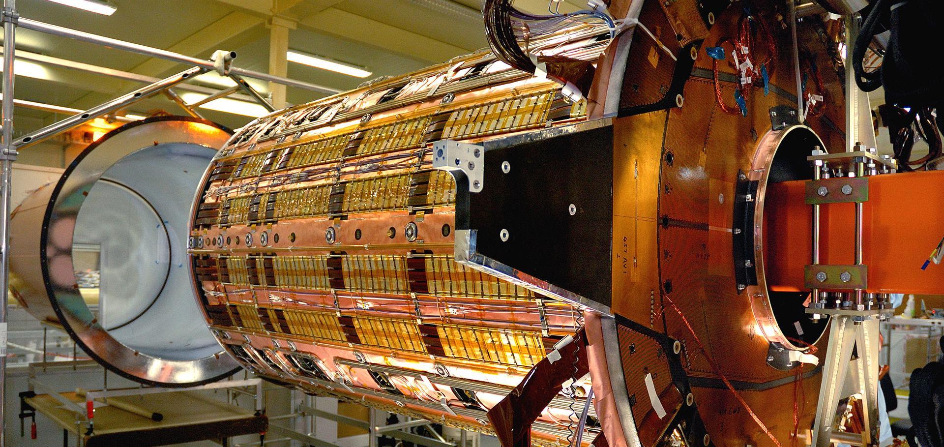 Insertion of STC into TRT at the Department of Physics, Oxford